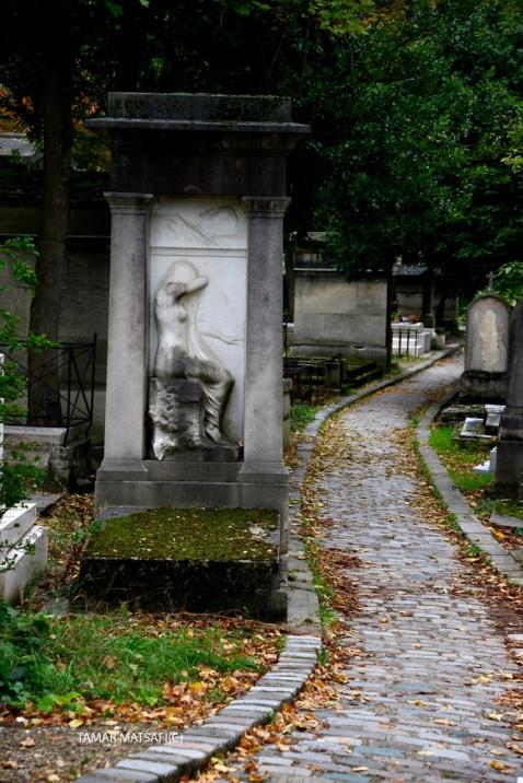 Père Lachaise Cemetery _01