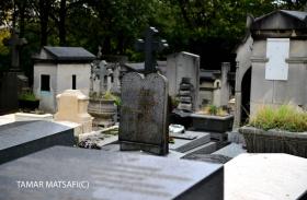 Père Lachaise Cemetery _11