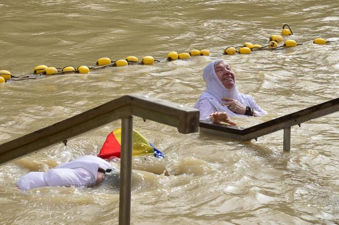 Epifania, baptism at jordan river_07