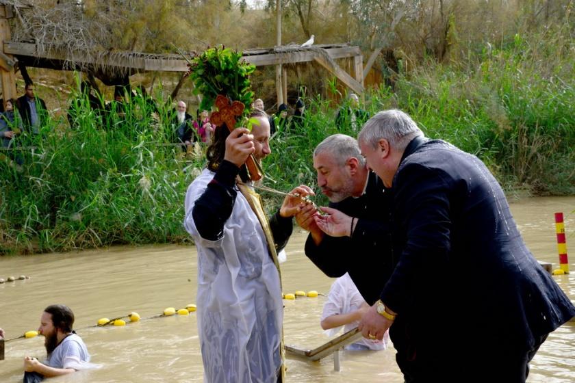 Epifania, baptism at jordan river_09